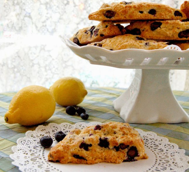 Blueberry-Lemon-Scone900