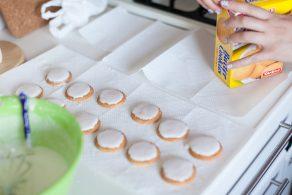 ベビーシャワーの手作りアイシングクッキー
