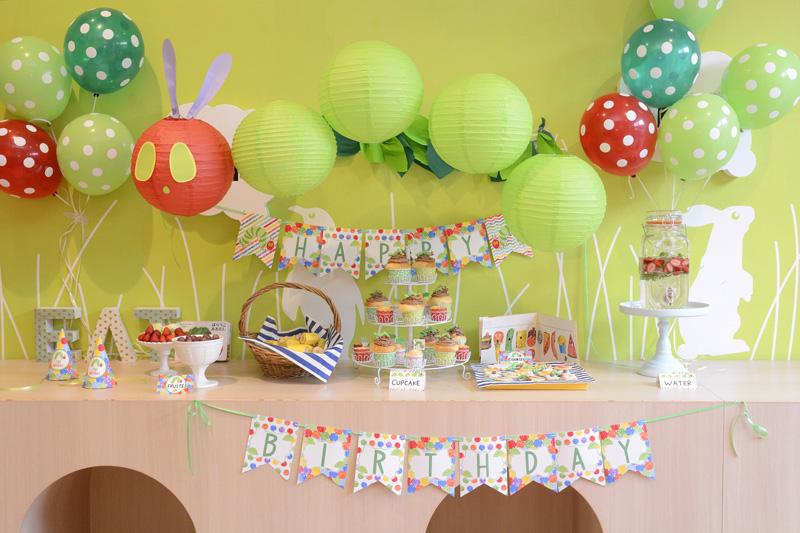 はらぺこあおむしテーマのお誕生日会の写真