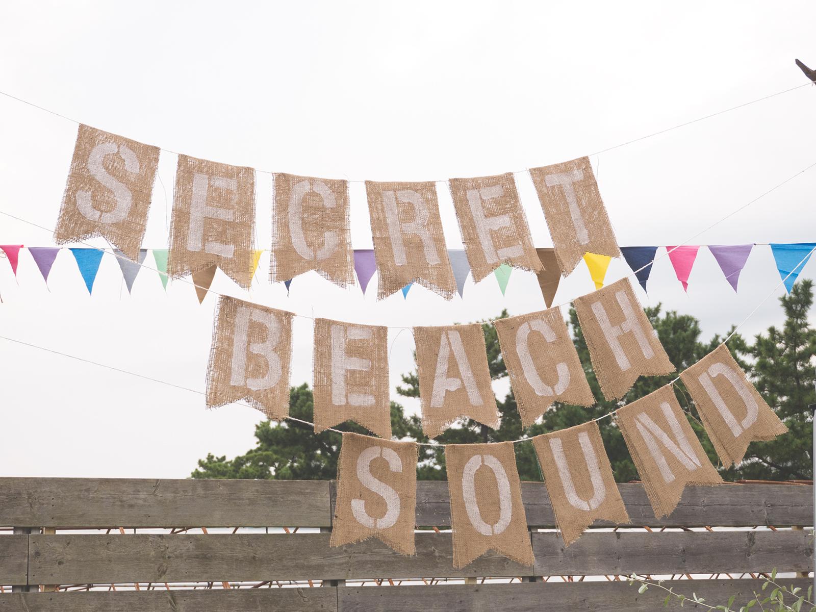 布に好きな文字をステンシル!時短でできる簡単ガーランドの作り方<br>|by ARCH DAYS 編集部