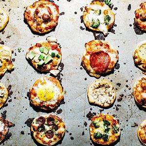 【海外blog】みんなでわいわいトッピング対決!簡単&本格ミニピザの作り方<br />|i am a food blog by Stephanie Le