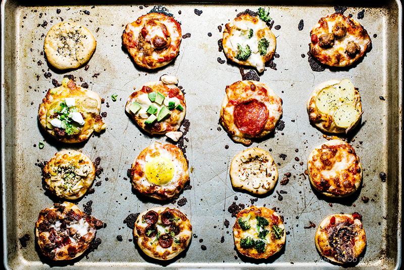 トッピング対決!簡単ミニピザの作り方 by Stephanie Le | ARCH DAYS