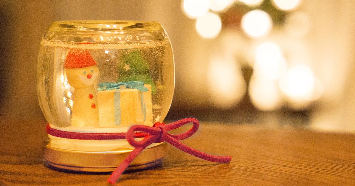 プチプラなクリスマスDIY!きらきらスノードームの作り方