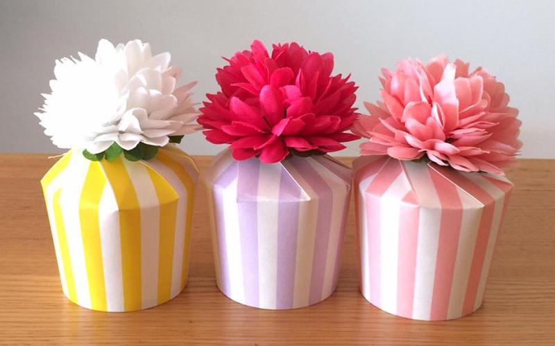 お菓子ラッピングやパーティーの持ち帰りに!紙コップを使って簡単&かわいいラッピング<br>|by hirommy anniversary