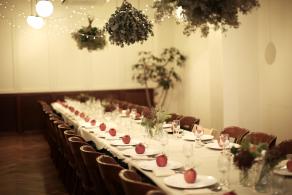 BIG APPLE WEDDING|りんごテーマのゲストテーブル|結婚パーティー事例|Happy Very Much|ARCH DAYS
