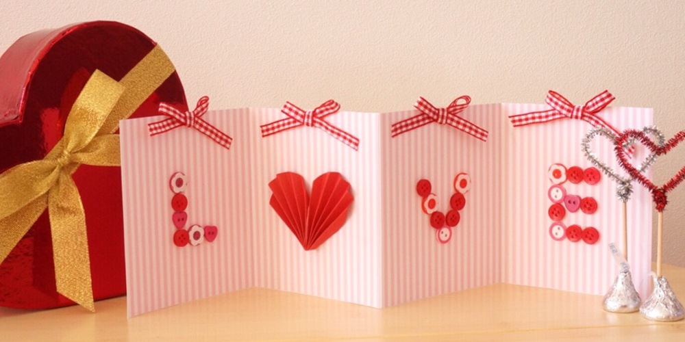 バレンタインにぴったり!手作り「LOVE」グリーティングカードを作ろう