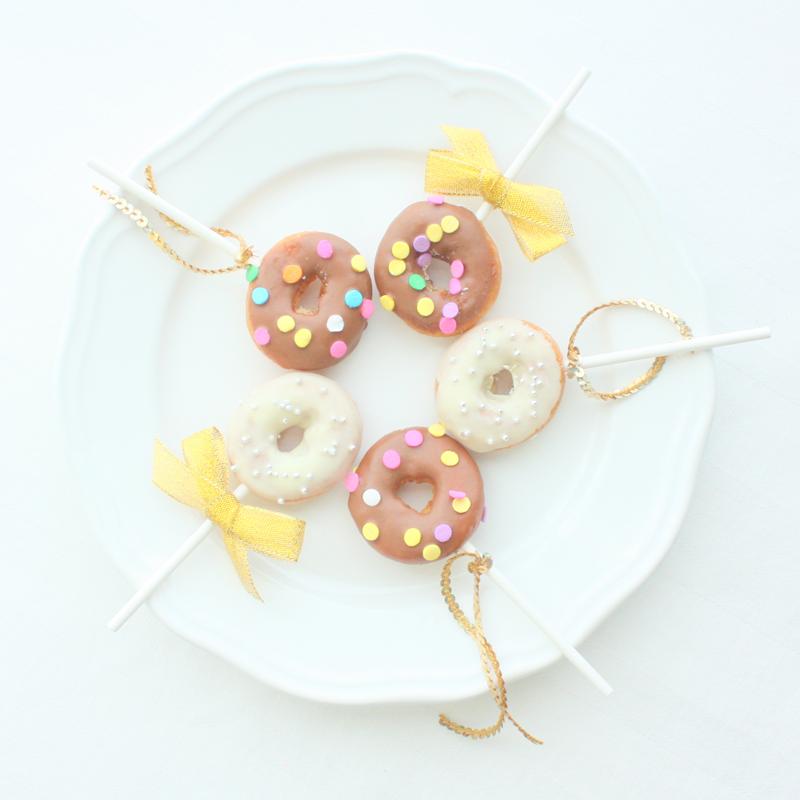 カンタン10秒アレンジ!ドーナツポップの作り方<br>|by Mary&#8217;s party couture