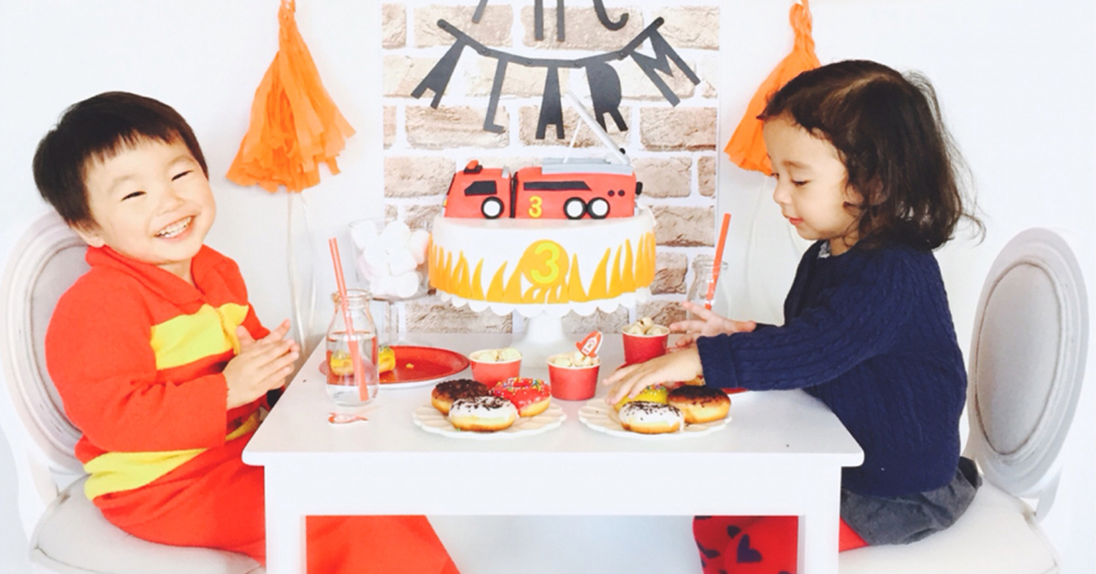 """テーマを決めればもっと楽しい!""""消防車""""をテーマにした海外のお誕生日会"""