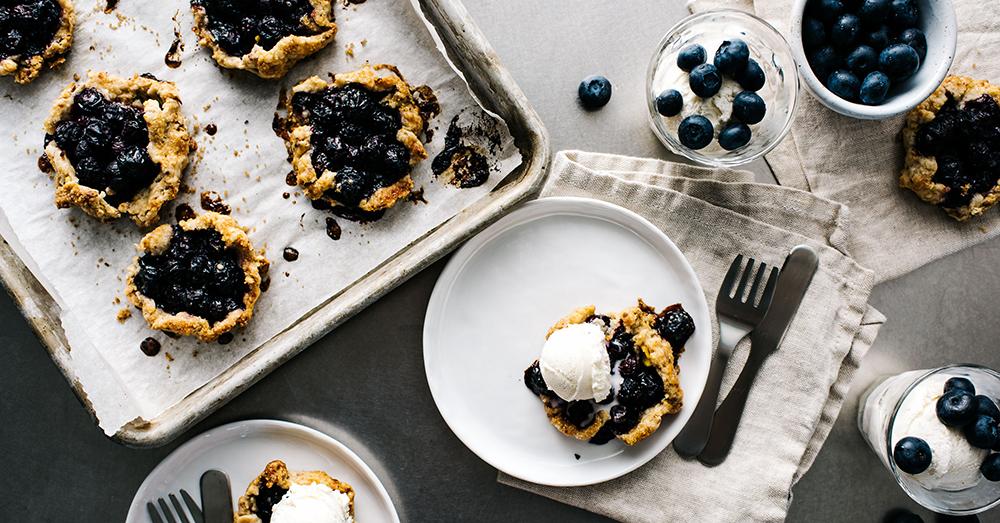 カリッと香ばしい!ミニブルーベリーガレットのレシピ<br />|i am a food blog by Stephanie Le
