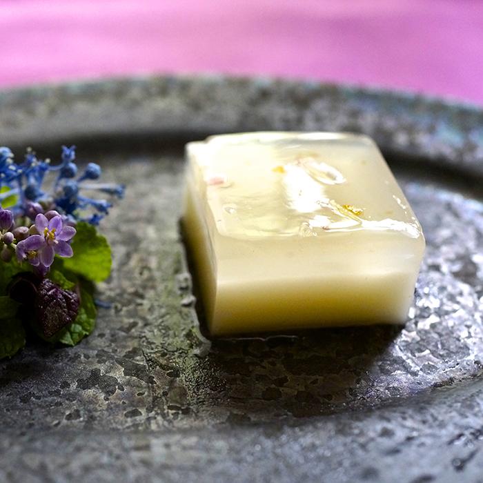 暑さを吹き飛ばすさっぱり「ミントの水ようかん」レシピ<br>|感じる世界 美味しい時間 by TOːRI Maki Aikou