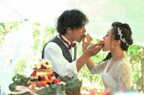 DO IT OURSELVES|ケーキバイト|ウェディング実例写真|FUSIONwedding|ARCHDAYS