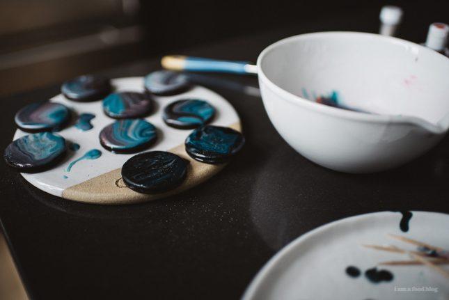 ギャラクシードーナツに!宇宙柄アイシングの作り方|i am a food blog by Stephanie Le|ARCH DAYS