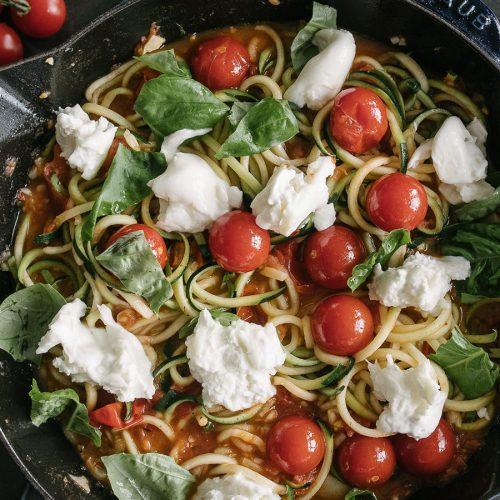 話題のズッキーニ麺♪フレッシュチーズとトマトのズードル<br/>|i am a food blog by Stephanie Le