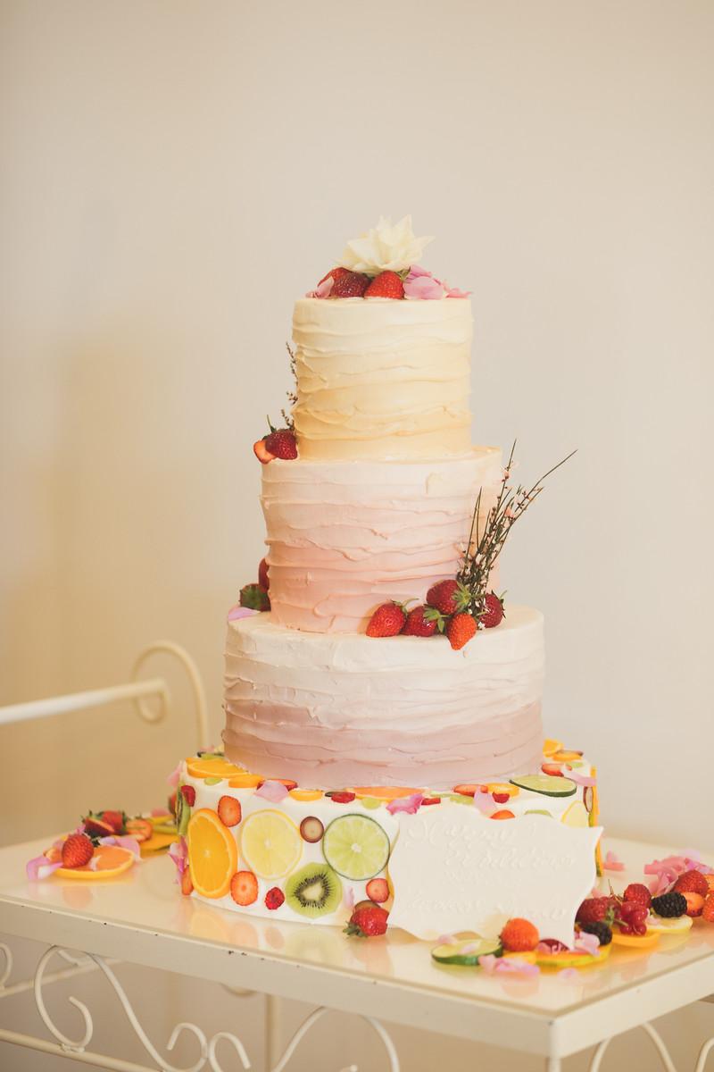 婚式_フローラルウェディング_ウェディングケーキ_グラデーションケーキ