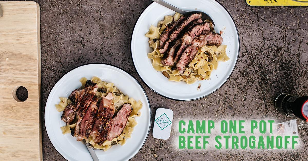キャンプにおすすめ♪お鍋ひとつで作るビーフストロガノフのレシピ