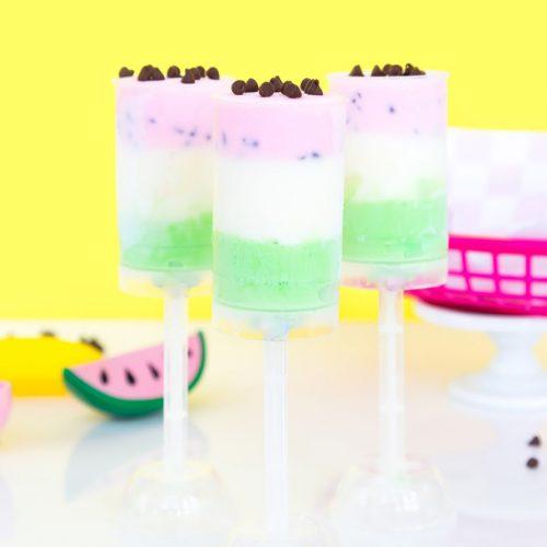 簡単かわいい♪プッシュポップを使ったスイカアイスの作り方<br> |by Aww Sam