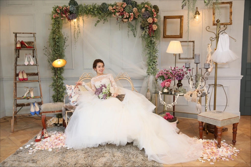 6e8f234029bf0 結婚式、高砂チェアが新たなトレンドに。メリットと真似したい ...