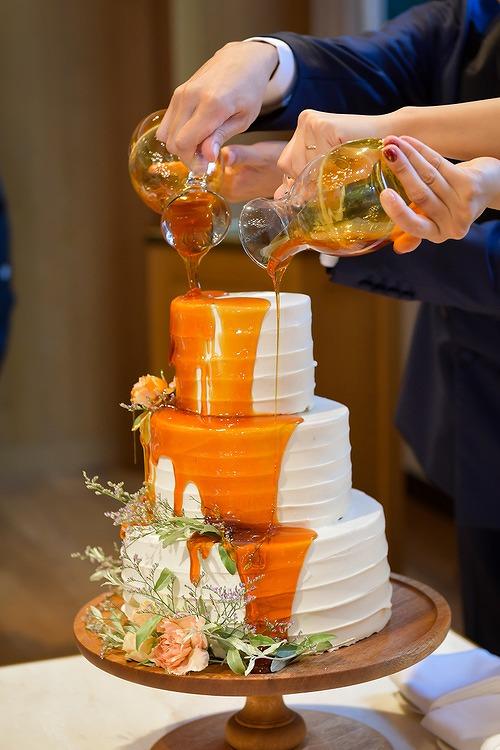 結婚式_カラードリップケーキ_かわいい