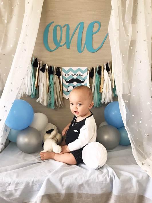 男の赤ちゃんの1歳お誕生日