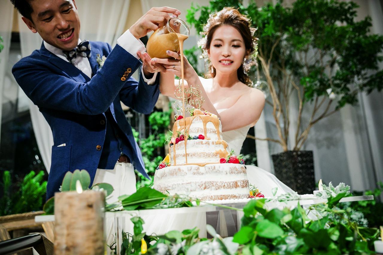 結婚式_カラードリップケーキ