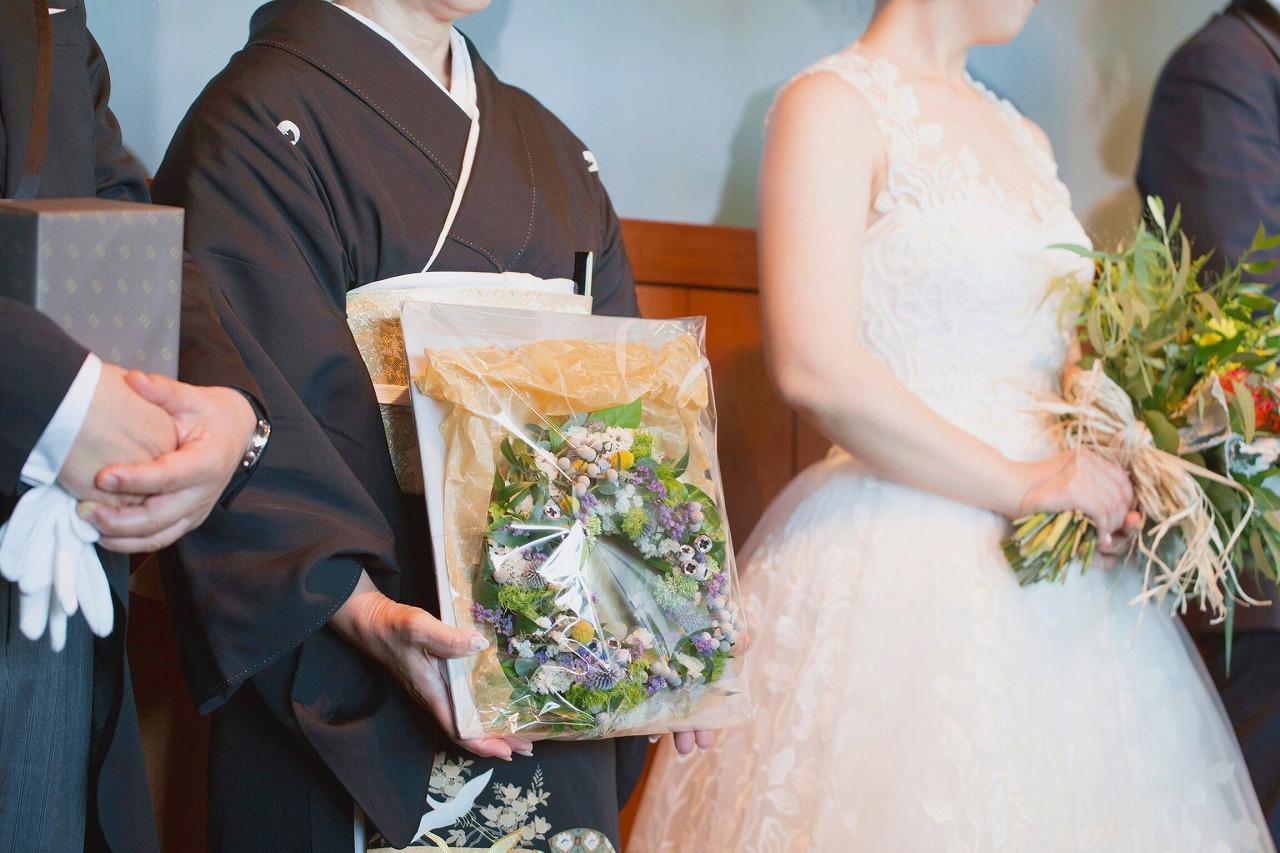 結婚式_記念品贈呈