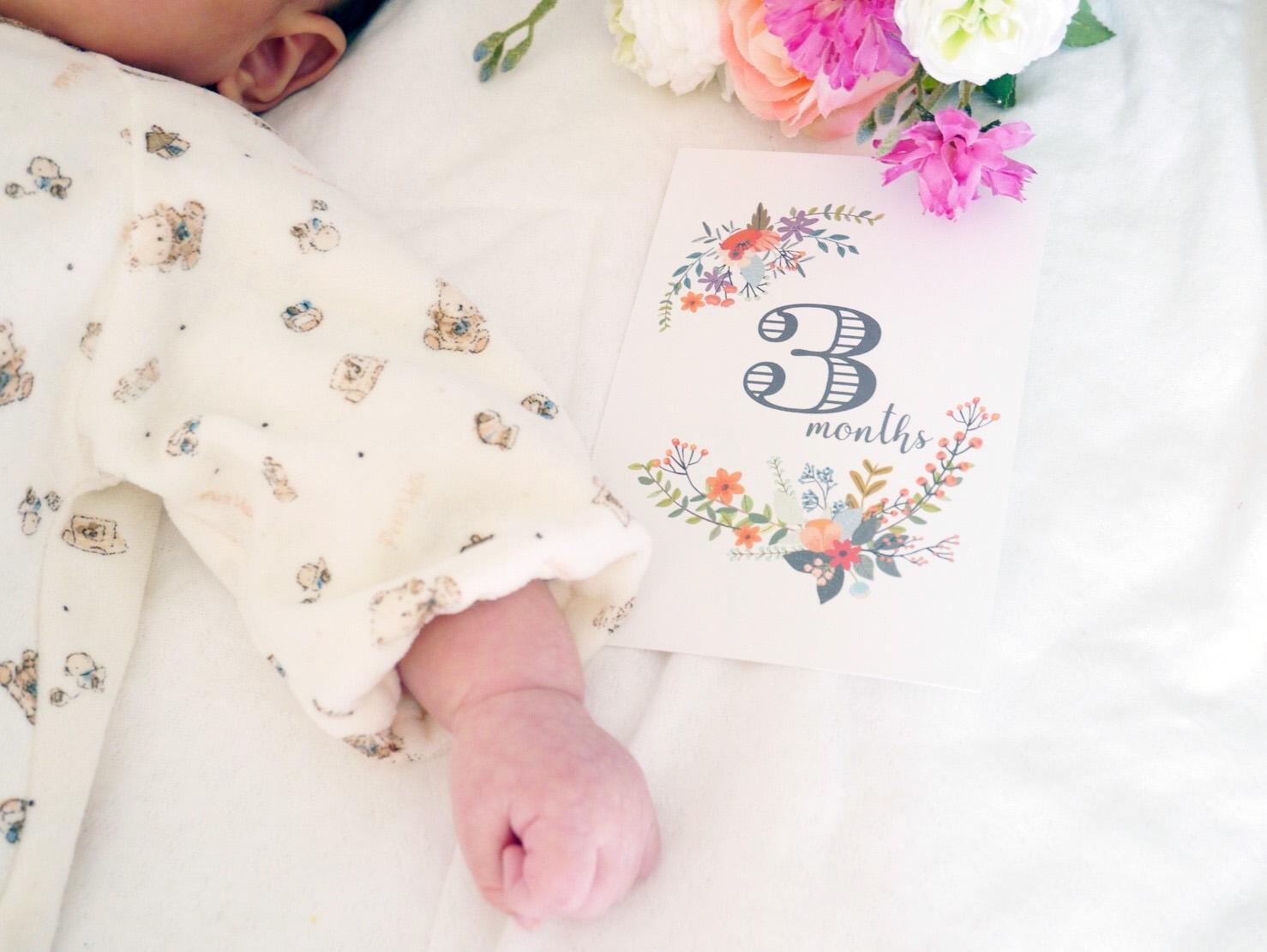 赤ちゃんの月齢カード