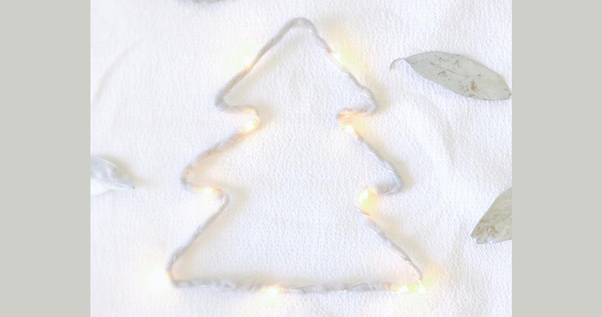 ふわふわの毛糸で簡単!ウールレター風クリスマスツリーの作り方