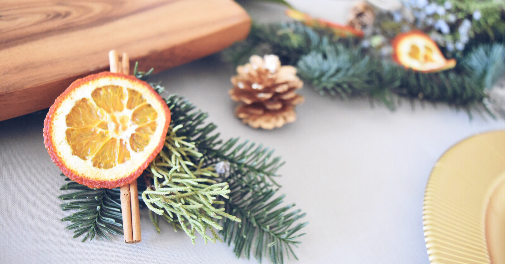 HOLIDAY ORANGE, CINNAMON AND PINE