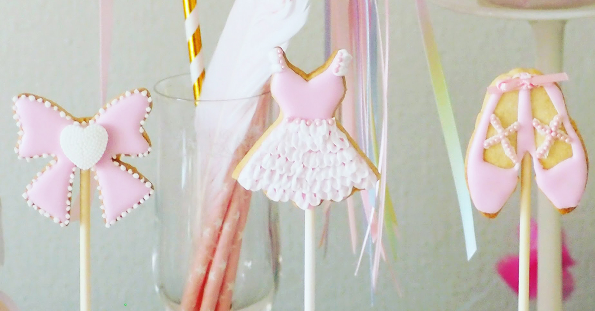 TOE SHOES AND PINK TULLE