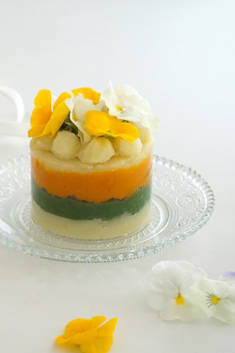 野菜で作るハーフバースデーケーキ
