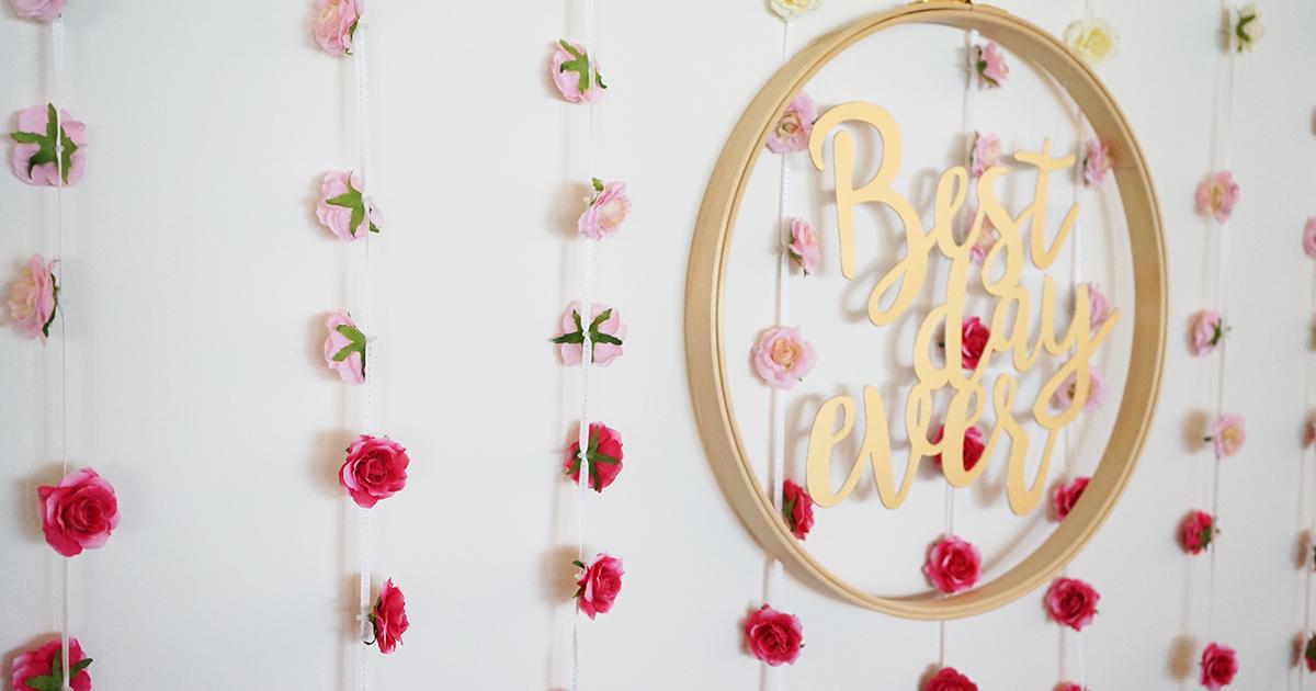 手作りフラワーカーテンで結婚式のフォトブースをとびきり可愛く飾ろう!