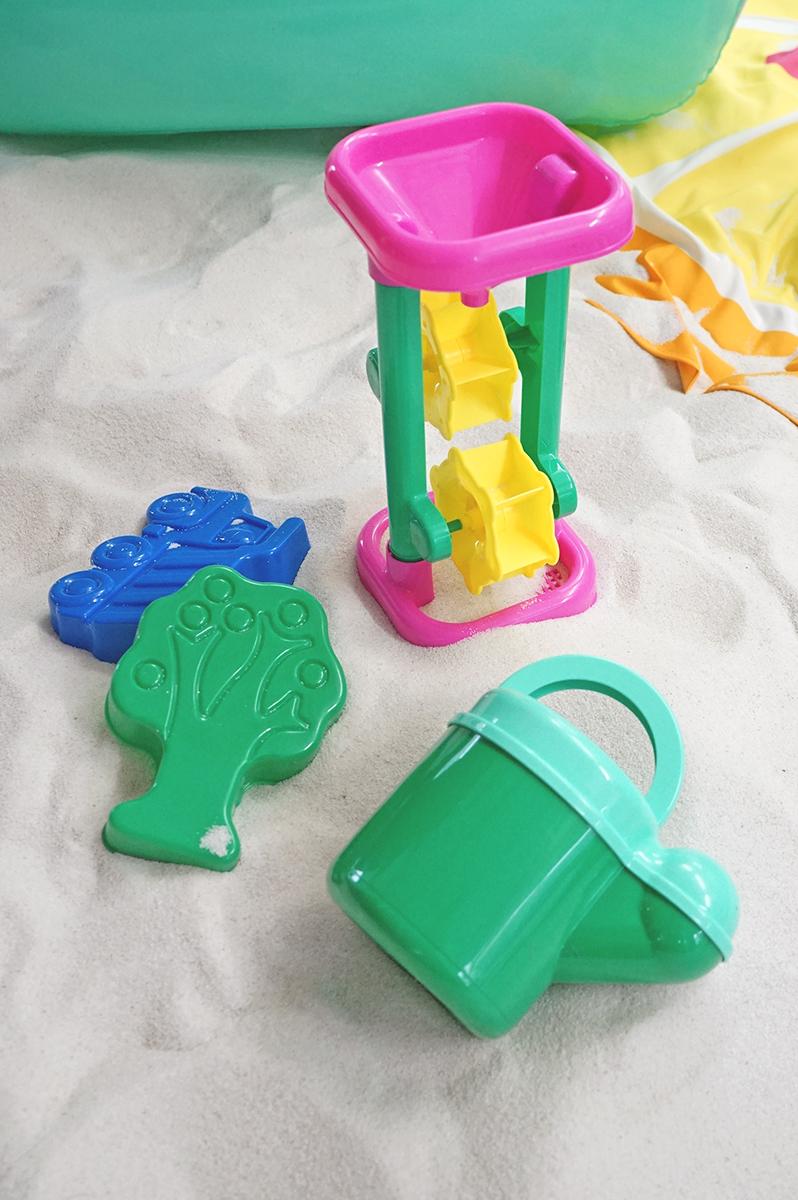 砂遊びのおもちゃ