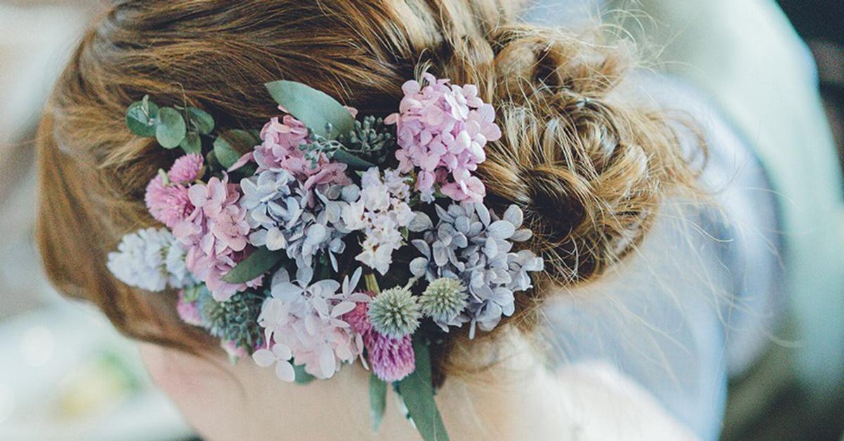 花嫁ヘアはサイドにお花アレンジがトレンド!参考にしたい髪型14選