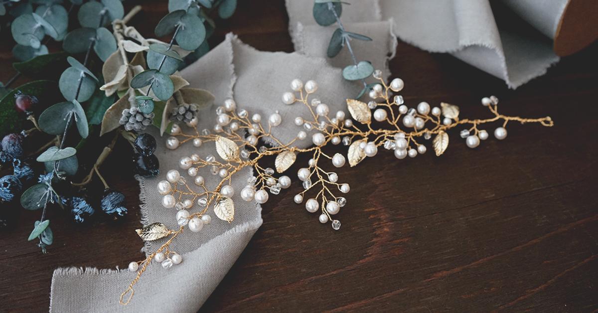花嫁ヘアの強い味方!「小枝アクセサリー」の付け方&作り方を徹底解説