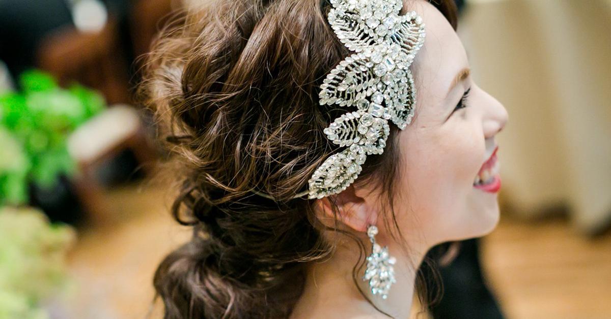 抜け感たっぷりなオシャレさ!いま旬な花嫁のヘッドドレスを覗き見