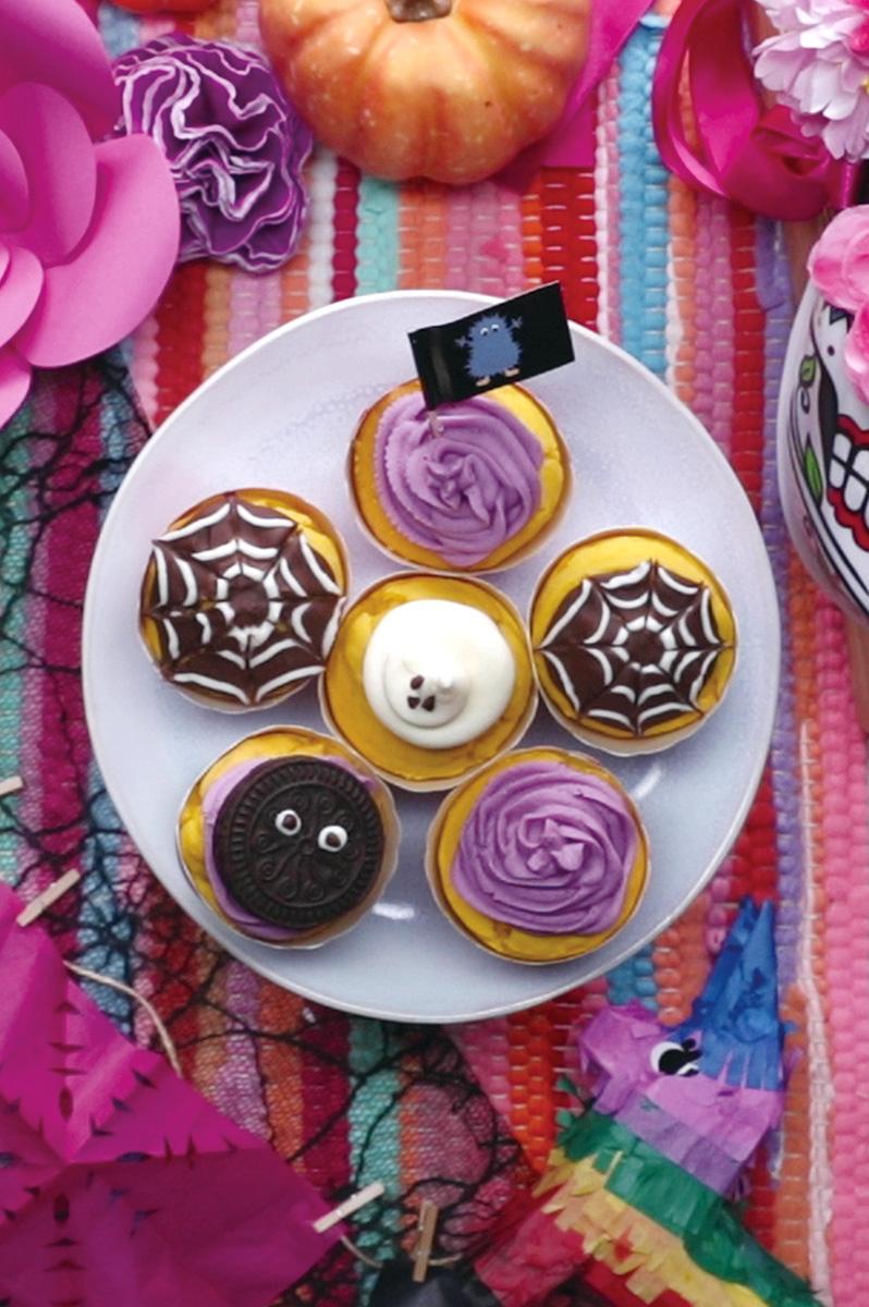 ハロウィンかくれんぼカップケーキ