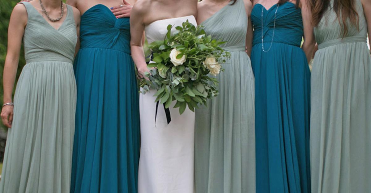結婚式が華やかに!ブライズメイドのドレスはどのカラーがお好み?
