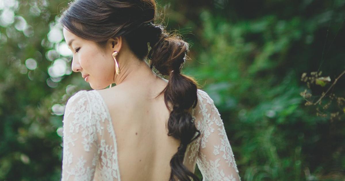 花嫁髪型の新定番「フィッシュボーン・バブルポニーテール」がおしゃれ