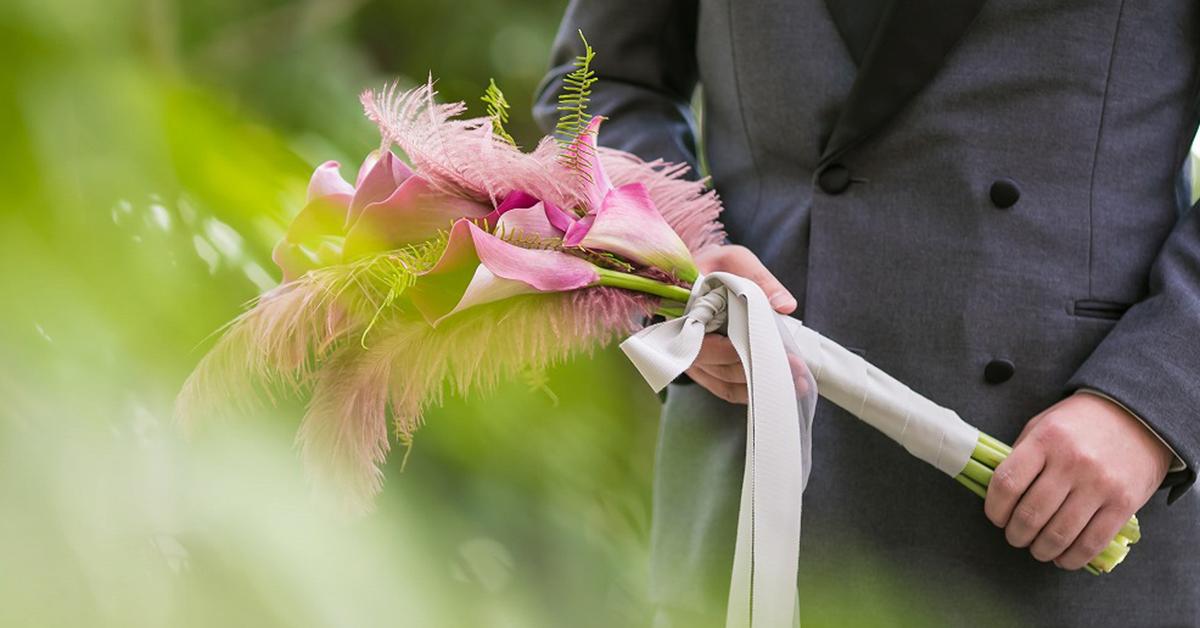 オシャレ花嫁に!カラーのお花を使った大人可愛いブーケ18選