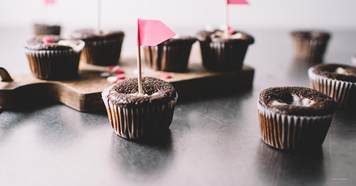 定番アメリカンスイーツ「ブラックボトムカップケーキ」の作り方