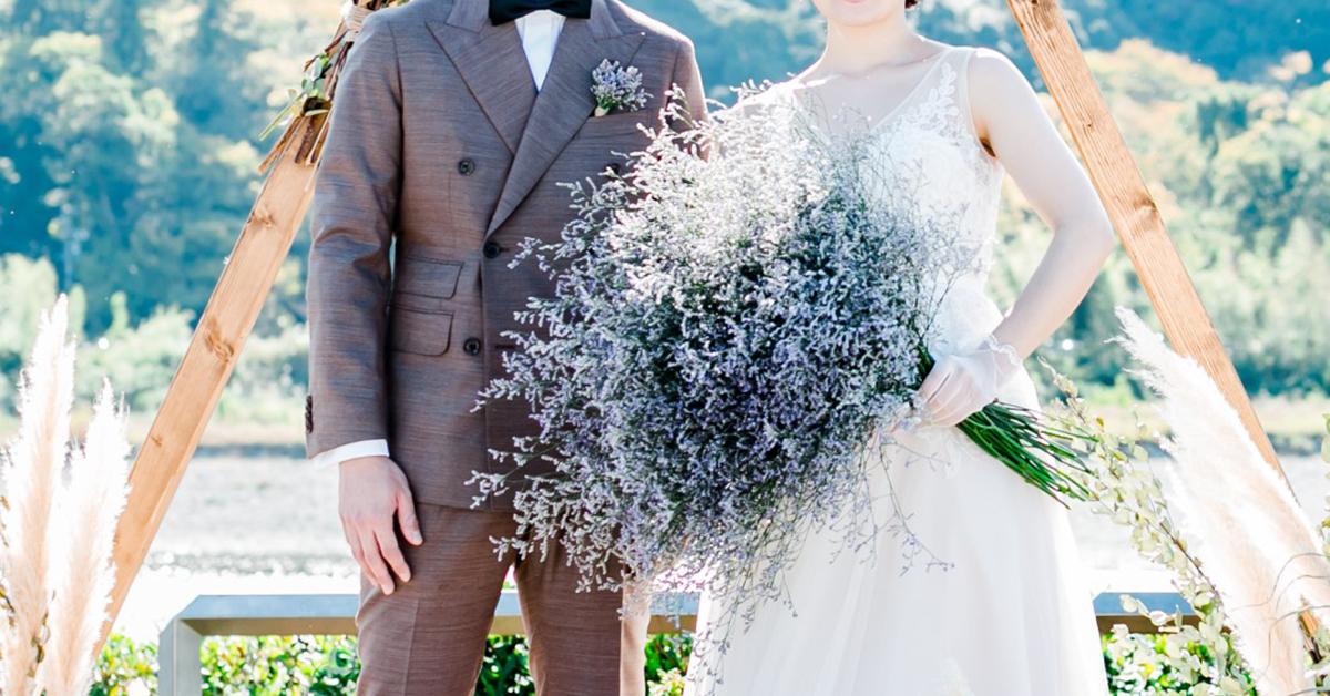 """オシャレ花嫁がお手本。1種類のお花だけを束ねる""""シングルブーケ""""がトレンドに"""