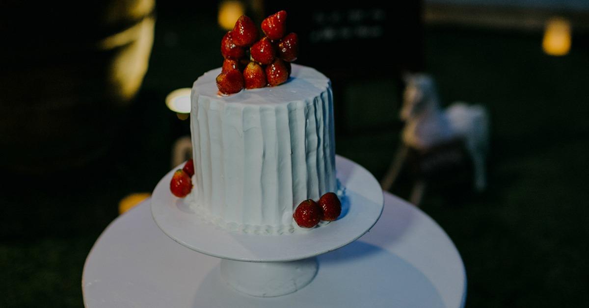 おしゃれな結婚式でよく見る「1段ウェディングケーキ」が可愛い