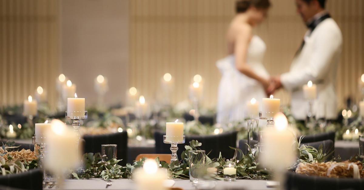 冬ウェディングに。キャンドルでロマンティックな装飾アイディア15選