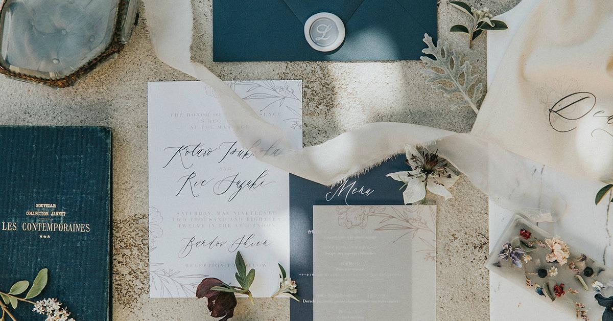 招待状で結婚式の世界観を表現。こだわりの招待状実例