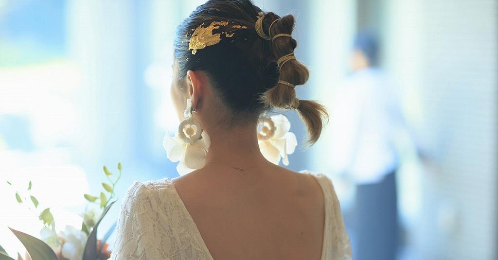 すっきりタイトヘアに注目!おしゃれ花嫁が選ぶヘアスタイル
