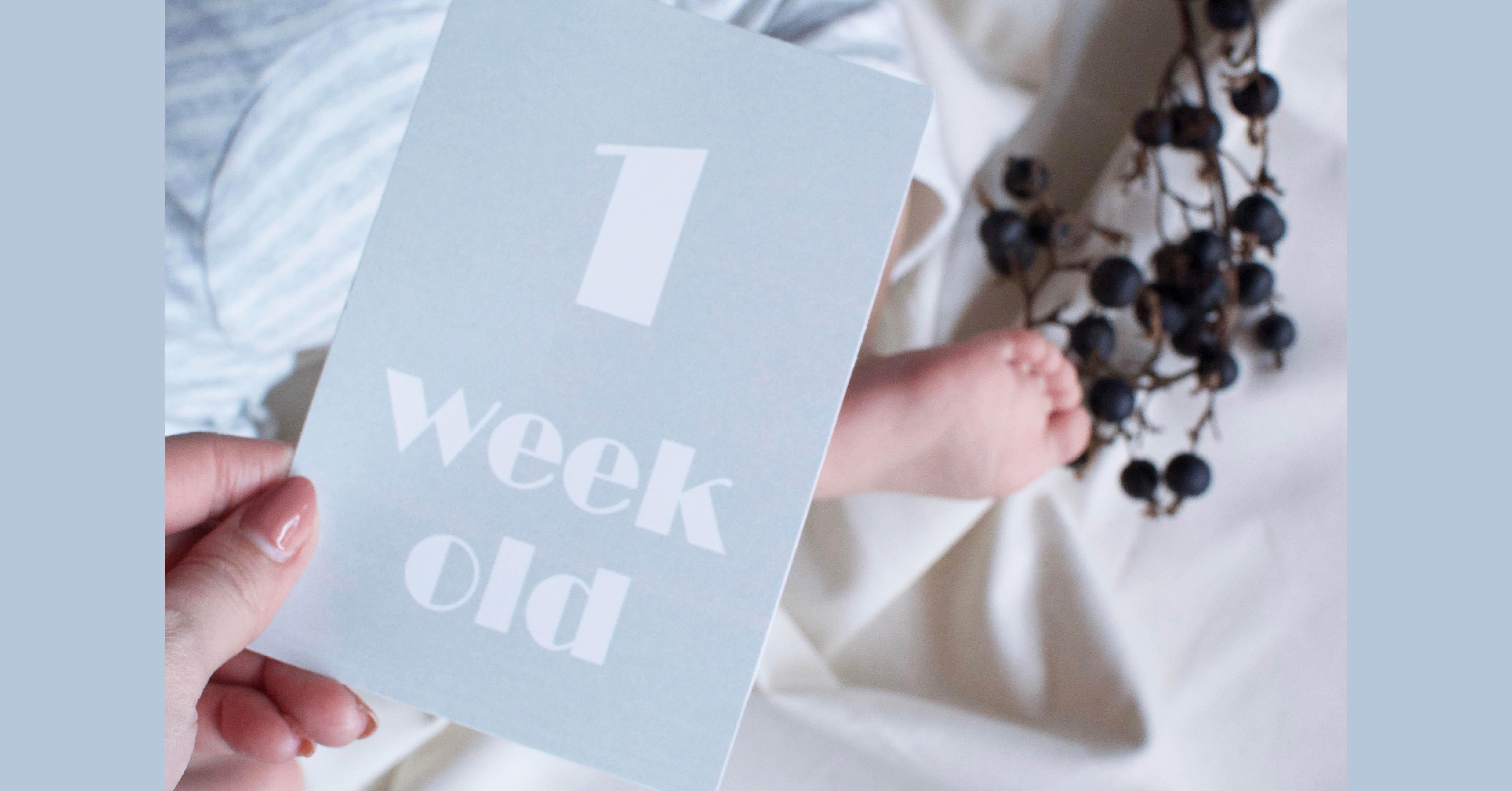 ベビーフォトに!生後1週間から使える赤ちゃんの週齢カード【無料テンプレート】