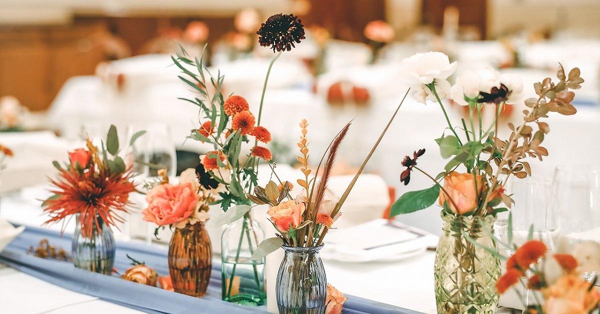 トレンドカラー「テラコッタ」を結婚式に。ブーケや装飾などアイディア11選