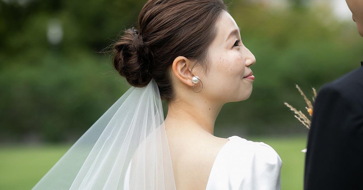 花嫁アクセはパールが最旬。シンプルにもモードにもおすすめな取り入れ方