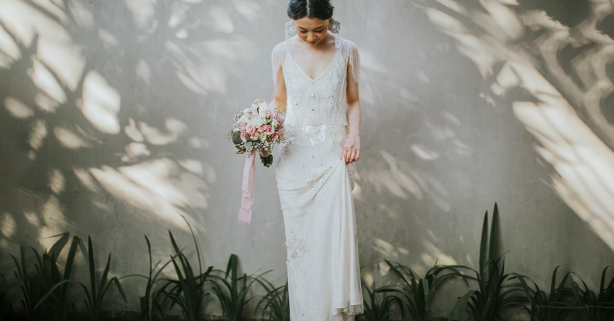 コロナ禍の少人数婚に。スタイル別スレンダーラインのウェディングドレス