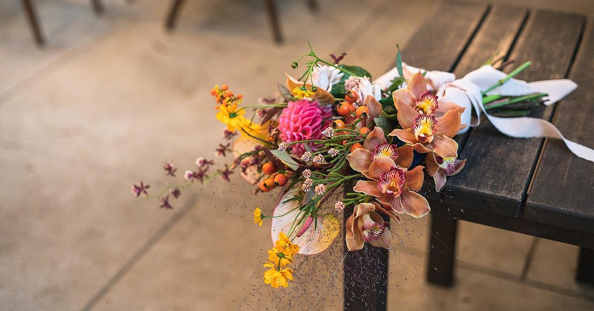 大人ウェディングのブーケや装花に。「シンビジウム」の結婚式アイディア